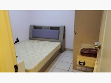 [9成新] 床組整套(含床墊)兩組其它家具無破損有使用痕跡