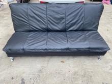 [9成新] 大慶二手家具 黑皮鐵腳沙發床沙發床無破損有使用痕跡