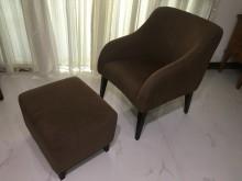 [9成新] 急賣【咖啡色單人布沙發+腳凳椅】多件沙發組無破損有使用痕跡