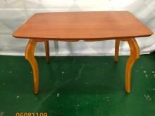 [9成新] 二手/中 古原木色餐桌餐桌無破損有使用痕跡