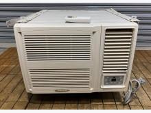 [7成新及以下] 禾聯窗型1.3頓冷氣 220V窗型冷氣有明顯破損