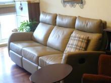 [9成新] 三人座真皮沙發(左右座為可躺式)雙人沙發無破損有使用痕跡