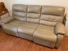[9成新] 宜得利全皮頂級電動可躺式沙發L型沙發無破損有使用痕跡