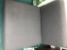 [95成新] 日式布沙發近乎全新賣屋販售單人沙發近乎全新