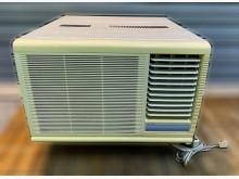 [7成新及以下] 聲寶SAMPO窗型1.3頓冷氣窗型冷氣有明顯破損