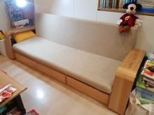 [9成新] 北歐 多功能兩用沙發床可收納木製沙發無破損有使用痕跡
