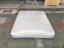 [8成新] 席夢思獨立筒床墊 5尺雙人床墊雙人床墊有輕微破損