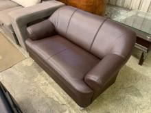 [9成新] 保存佳合成皮雙人沙發雙人沙發無破損有使用痕跡