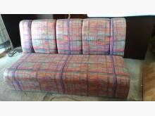 [9成新] 【尚典中古家具】繽紛三人座布沙發雙人沙發無破損有使用痕跡