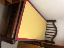 [7成新及以下] 萬芳捷運站附近2樓床組衣櫥免費送單人床架有明顯破損