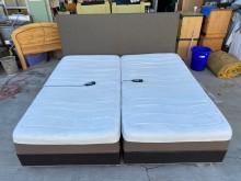 [9成新] 7*6.7鱷魚皮溫控電動調整床雙人床架無破損有使用痕跡