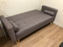 [95成新] 近全新三人座沙發床2999元沙發床近乎全新