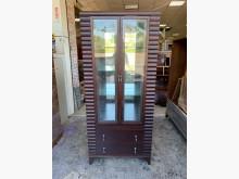 [8成新] 典雅胡桃木2.7尺 四層玻璃酒櫃其它櫥櫃有輕微破損