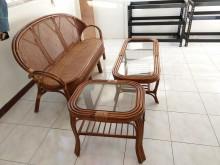 [7成新及以下] 三人座藤椅+大茶几+小茶几其它家具有明顯破損