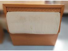 [7成新及以下] B1166*木紋色3.5尺床頭櫃床頭櫃有明顯破損