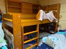 [9成新] 單人實木床架(含置物櫃)單人床架無破損有使用痕跡