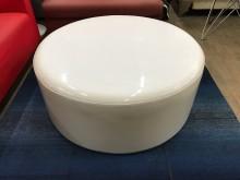 [9成新] 大慶二手家具 白色圓形皮沙發單人沙發無破損有使用痕跡
