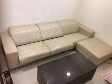 [8成新] 二手白色牛皮L型沙發L型沙發有輕微破損