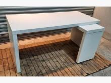 [8成新] 白色L型書桌書桌/椅有輕微破損