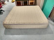 [9成新] 金色6X6.2尺三線獨立筒床墊雙人床墊無破損有使用痕跡