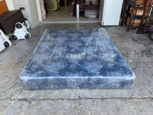 [9成新] 緹花布標準雙人5x6.2尺 床墊雙人床墊無破損有使用痕跡