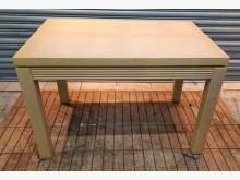 A0124BJJE 白橡色餐桌餐桌有明顯破損