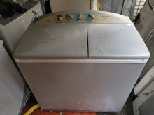 [8成新] 國際牌9公斤雙槽洗衣機,優惠價洗衣機有輕微破損