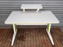 [8成新] 可調式成長型書桌電腦桌/椅有輕微破損