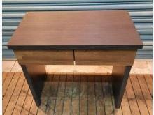 [7成新及以下] 全新二抽書桌書桌/椅有明顯破損