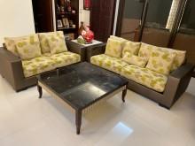 [8成新] 二手高級訂製沙發出售!多件沙發組有輕微破損