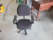 [95成新] 黑布升降電腦椅H03717電腦桌/椅近乎全新