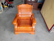 [9成新] 實木單人沙發H03736木製沙發無破損有使用痕跡