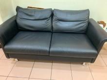 [9成新] 雙人座牛皮沙發雙人沙發無破損有使用痕跡