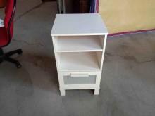 [95成新] 白色床邊櫃H03810快樂福二手收納櫃近乎全新