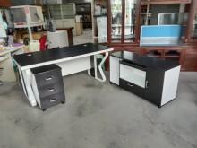 [95成新] 黑白配3件式主管桌電腦桌電腦桌/椅近乎全新