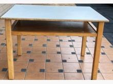 [9成新] 幼稚園生用桌椅書桌/椅無破損有使用痕跡