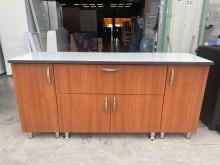 [9成新] 柚木色一抽拉門餐櫃收納櫃無破損有使用痕跡