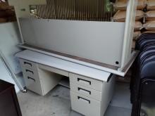 [8成新] 大辦公桌出清辦公桌有輕微破損
