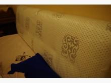 [95成新] 加大 6x6.2 尺 彈簧床墊雙人床墊近乎全新