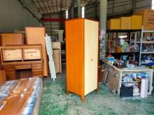 [7成新及以下] 合運二手傢俱~木紋單人吊衣櫃衣櫃/衣櫥有明顯破損
