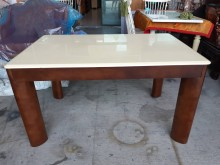 [9成新] 九成新雲石實木餐桌餐桌無破損有使用痕跡