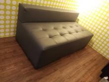[9成新] 出外人百搭高質感雙人皮沙發雙人沙發無破損有使用痕跡