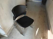 [9成新] 九成新使用三個月,共有九張。餐椅無破損有使用痕跡