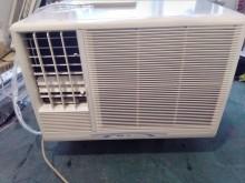 [7成新及以下] 2手2頓窗型5200KW8-10窗型冷氣有明顯破損