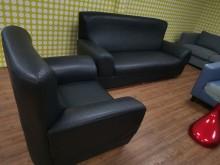 [9成新] 絕對超值大器非凡3+1皮沙發多件沙發組無破損有使用痕跡