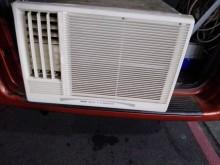 [7成新及以下] 3洋2手110V1頓4-6坪變頻分離式冷氣有明顯破損