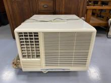 [9成新] AC82511*三洋2.3噸窗型窗型冷氣無破損有使用痕跡