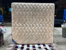 [9成新] B82518*六尺獨立筒床墊雙人床墊無破損有使用痕跡