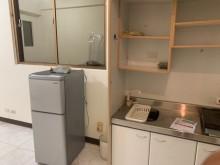 [8成新] 便宜賣二門小冰箱~倒數七天冰箱有輕微破損