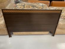 [9成新] B90522*胡桃色五尺床頭片床頭櫃無破損有使用痕跡